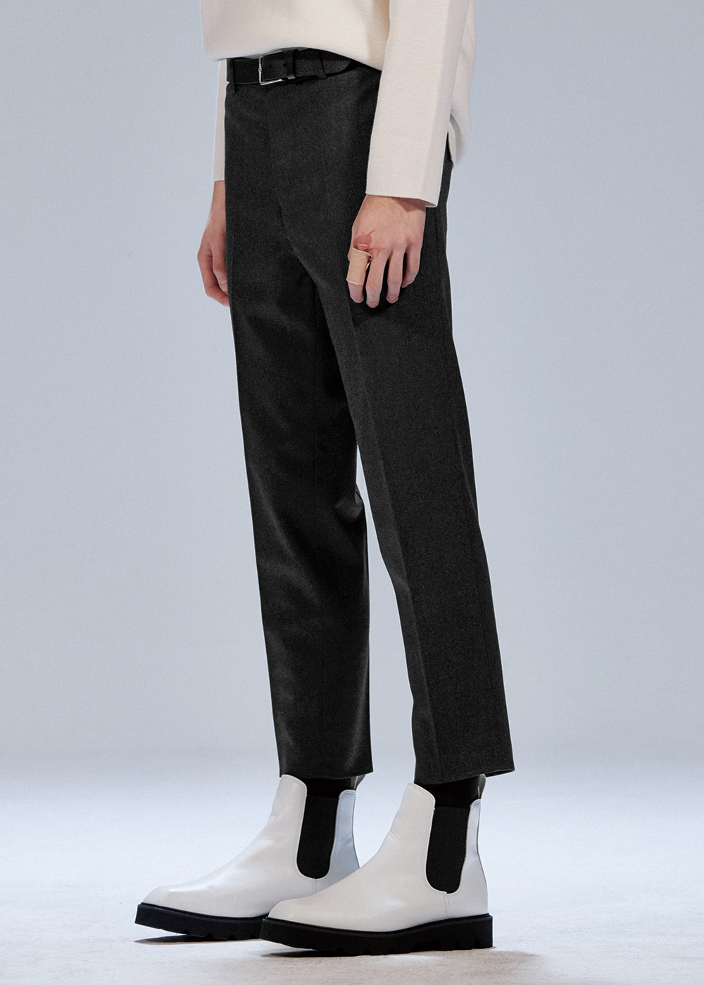201 COMPACT WOOL TAPERED SLIMFIT CROP SLACKS CHARCOAL