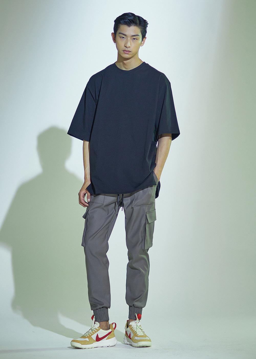 [사계절용]091 PREMIUM PERFECT FABRIC CARGO JOGGER KHAKI